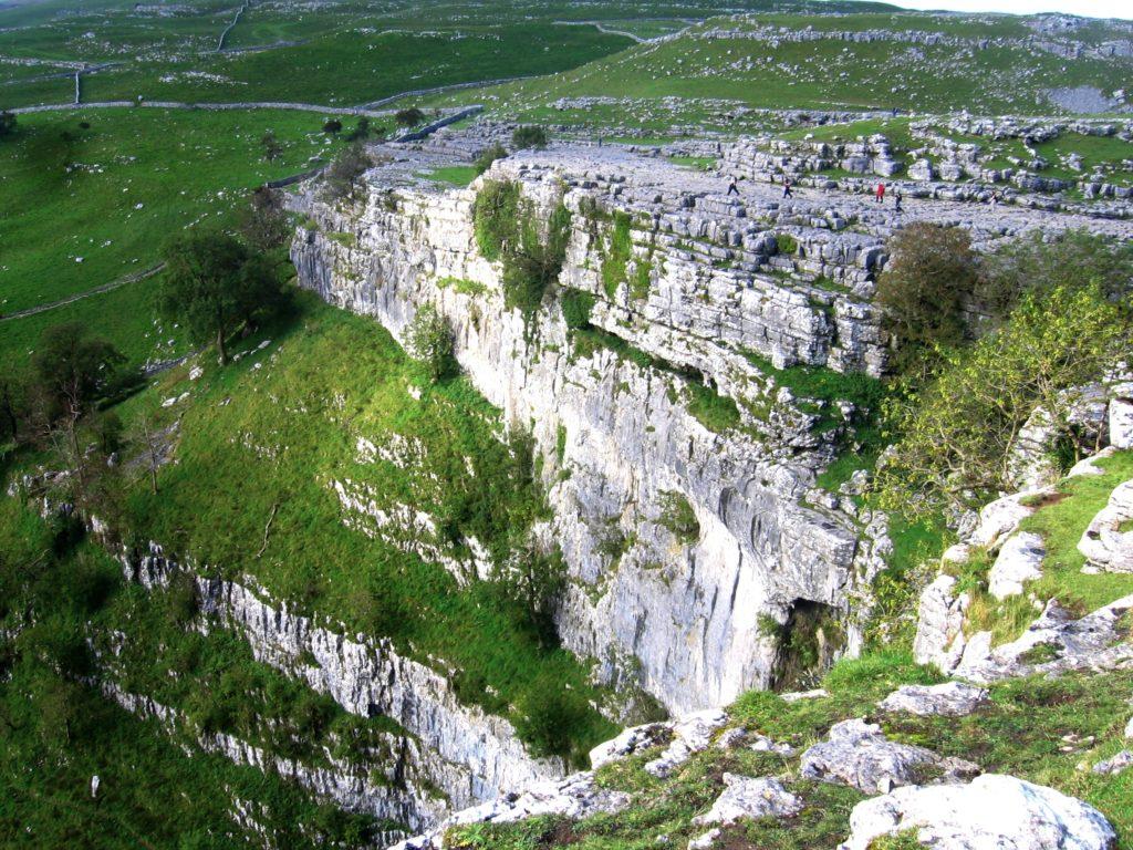 Malham cove pohled Yorkshire Dales - cestopis Severovýchodní Anglie