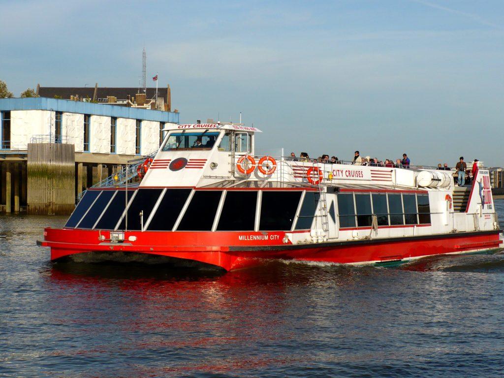 Projížďka lodí Temže, Londýn - Cestopis Severovýchodní Anglie