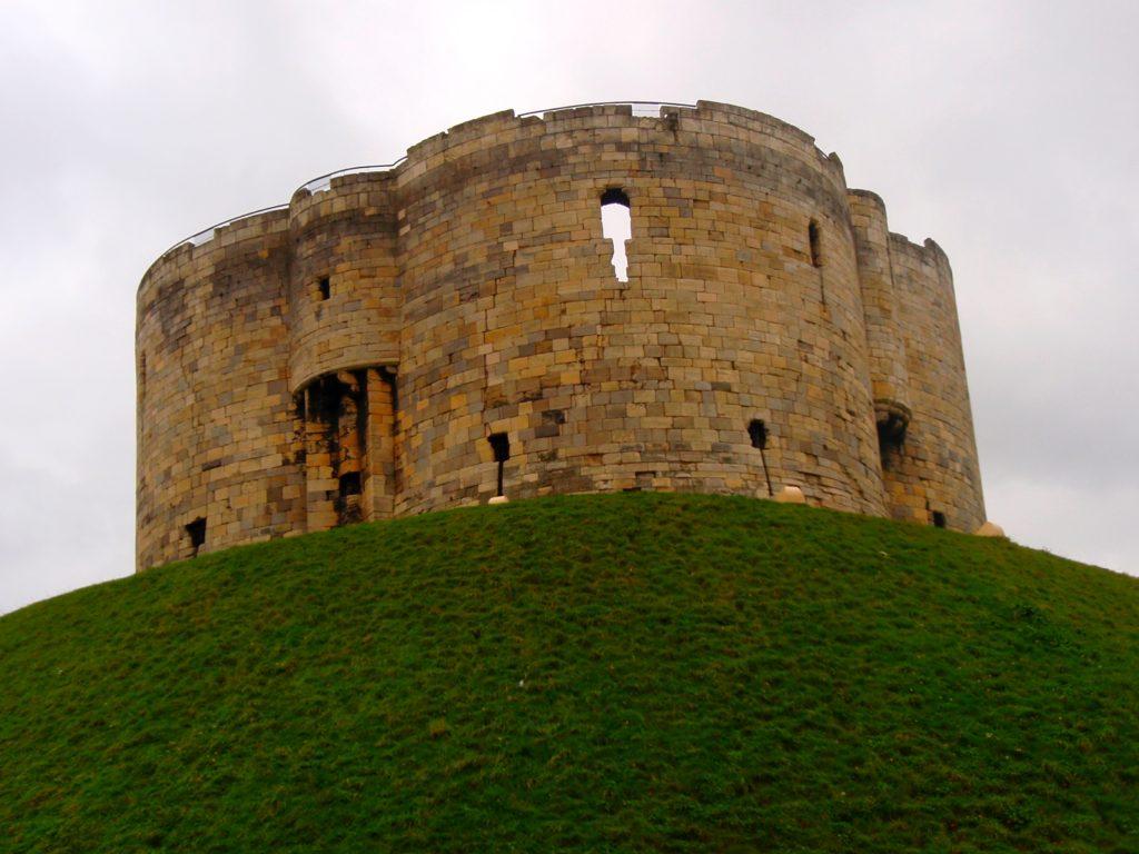 Clifford tower York - cestopis Severovýchodní Anglie