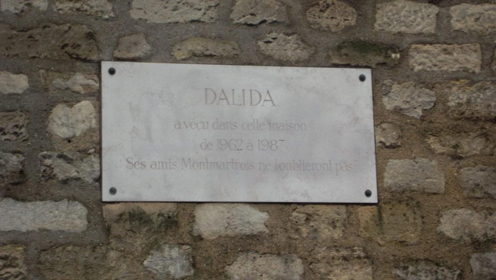 Cestopis Paříž přes Silvestra - plaketa Dalida