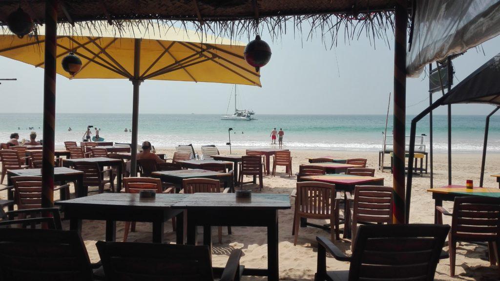 Oběd Mirissa beach, cestopis Srí Lanka