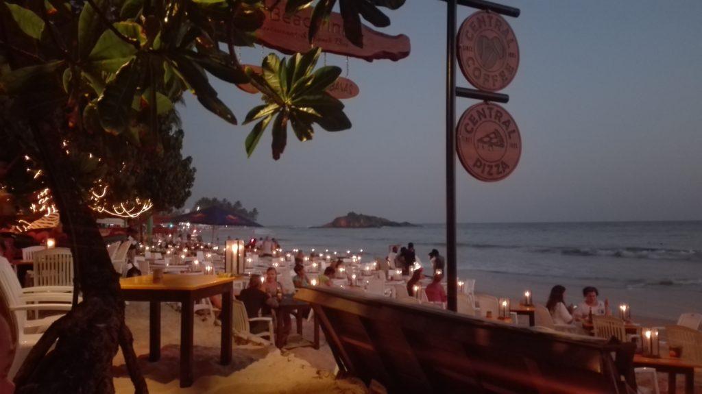 Večer v Central Beach Inn, cestopis Srí Lanka